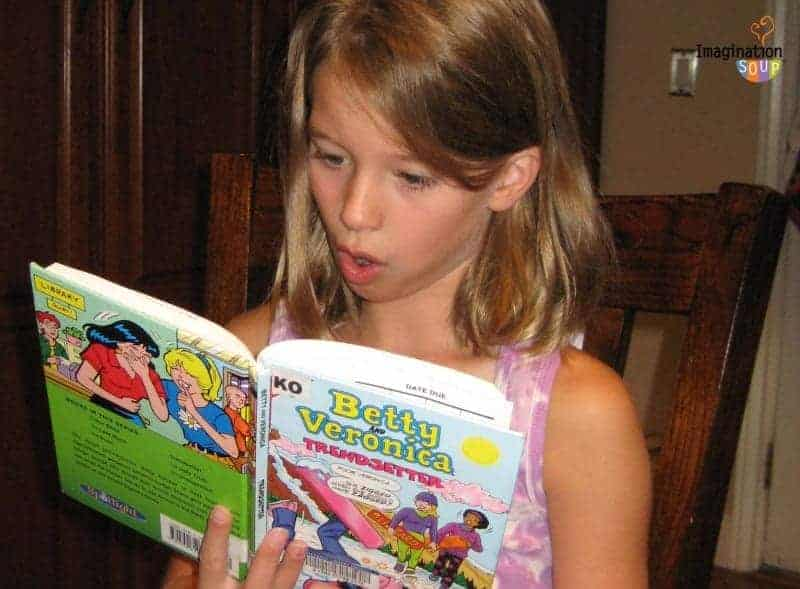 reasons to let your kids read graphic novels