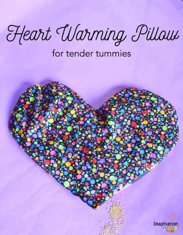 DIY Flaxseed Aromatherapy Warming Pillow flaxseed heart warming pillows for children's tummies