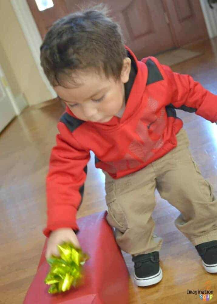 Best Tips for Holiday Toy Gift Giving