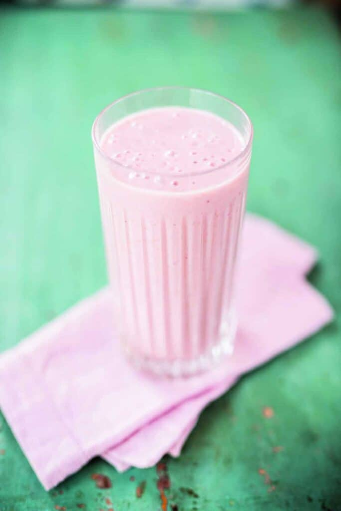 from Juice Manifesto, a healthy Strawberry Milkshake that kids will LOVE!