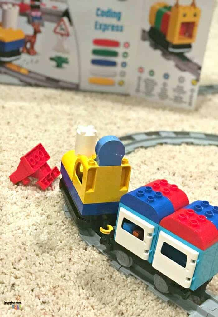 Early learning LEGO Coding Express for ages 2 - 5 with teachers guides & printable building ideas