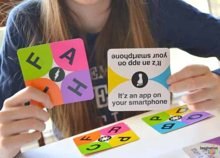 Itzi: Easy-to-Play Word Game for Families